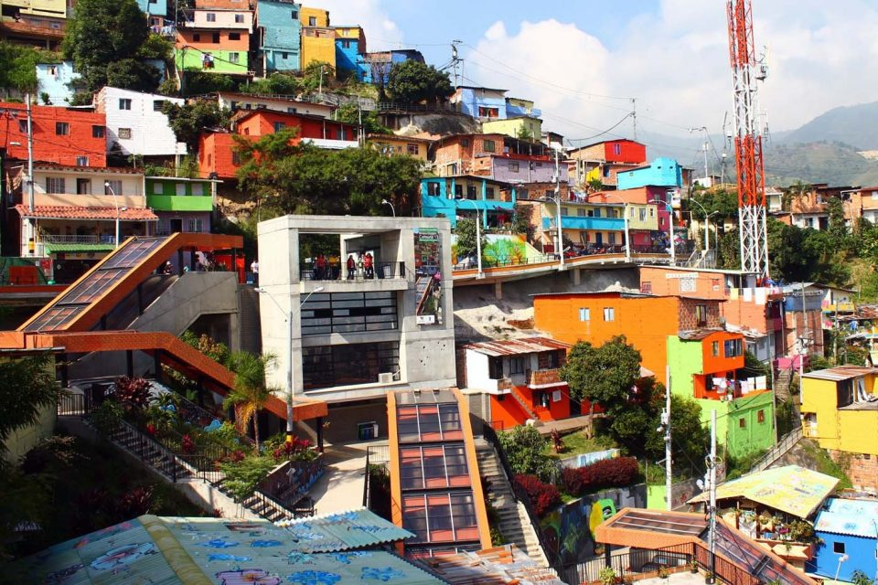 medellin-escalators-outdoor-comuna13.jpg