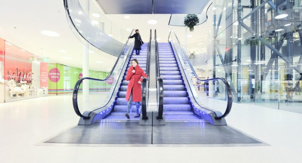 Schindler 9300 - the escalator for mid-rise commercial and transport facilities